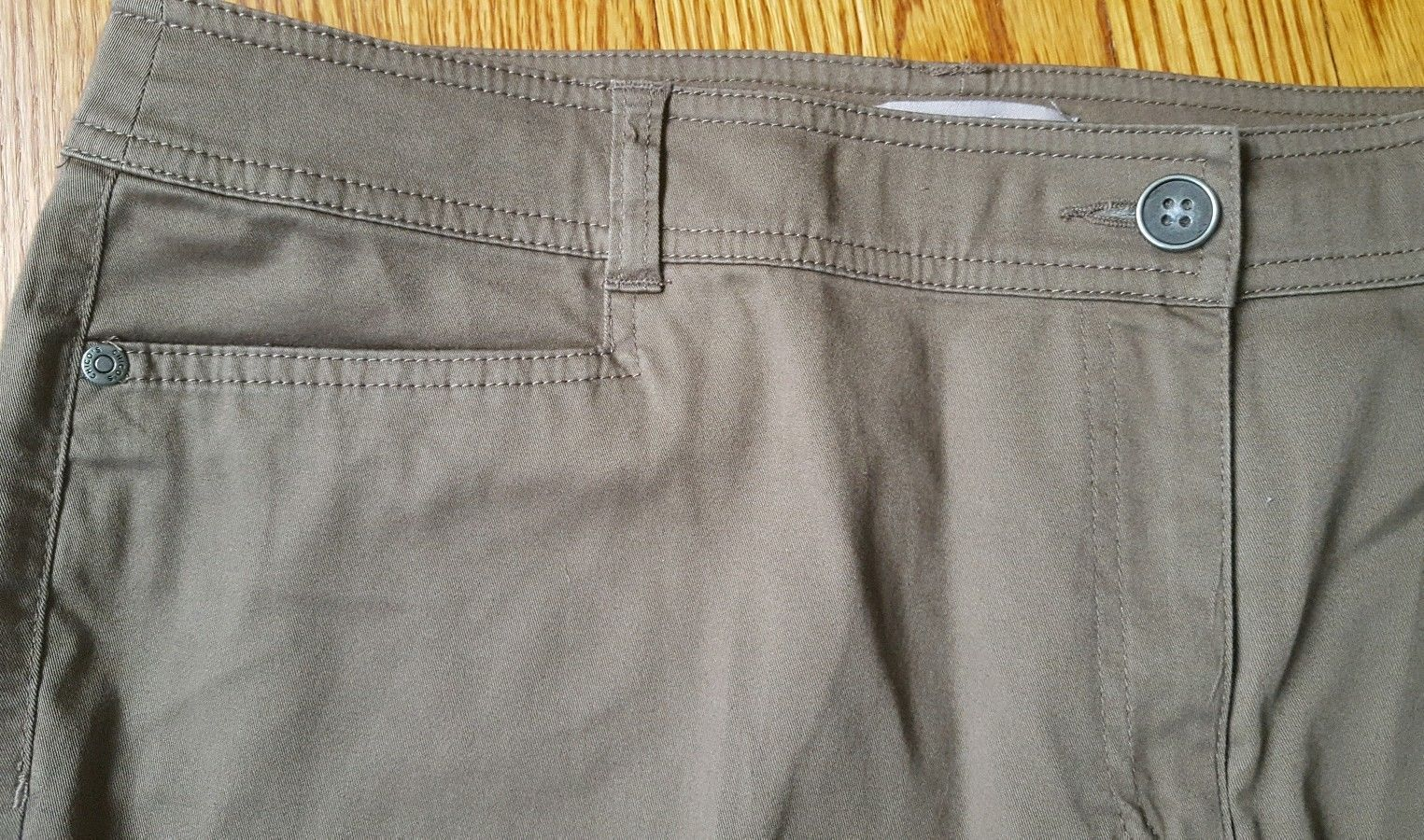 Chico's Womens Size 2.5 Brown Capri Cropped Pants