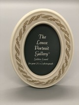 """Lenox Golden Laurel Oval Frame Holds 2 1/2"""" x 3"""" Photo GREAT CONDITION - $14.49"""