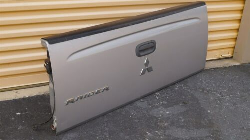 06-09 Mitsubishi Raider Tailgate Tail Gate Trunk Cover Lid