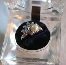 New  Avon Silvertone Rhinestone & Pearl Ring Si... - $23.17