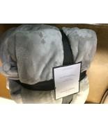 King Microplush Bed Blanket Gray - ThresholdGäó - $11.69