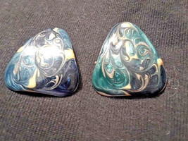 Vintage Enamel Swirl Triangle Clip On Earrings - $3.00