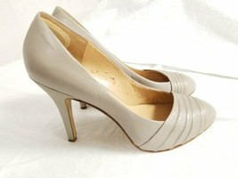 "Nine West Women's Leather Size 8.5 Beige stiletto Shoes Pump 4.5""Heel Fo... - $24.09"