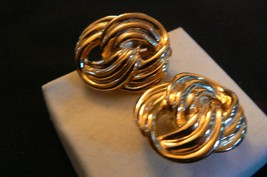 Vintage Unbranded Goldtone Double Looped Clip On Earrings - $9.89