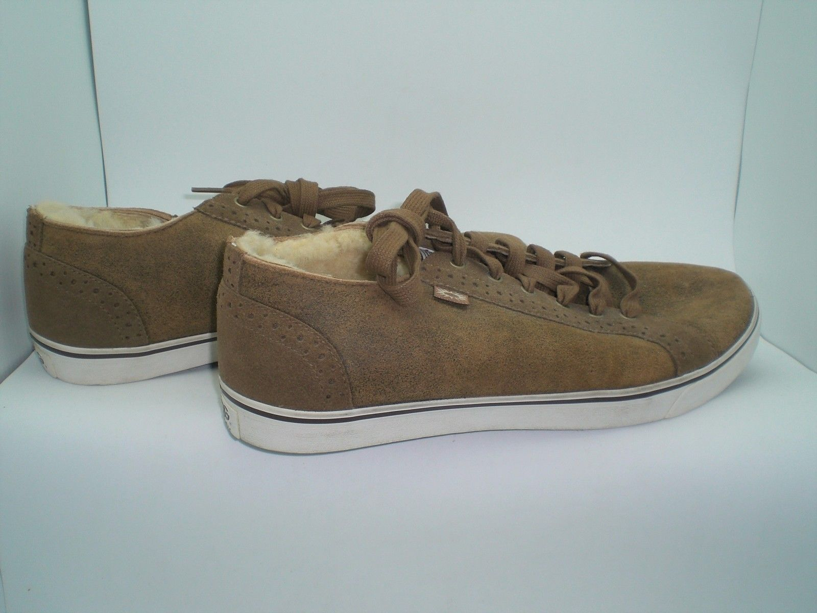 3efa4eff606 Ugg Roxford Mens Shoes Brown Suede Size 12 and similar items