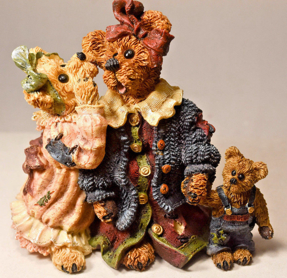 Primary image for Boyds Bears: Louella & Hedda... The Secret - Style 22775