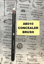 ABSOLUTE NEW YORK PROFESSIONAL CONCEALER BRUSH AB010 - $3.95