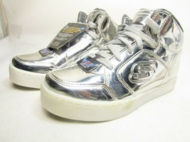 Youth Boy's Skechers S Lights-Energy Lights Eliptic Sneakers Silver   US 3 - $28.84