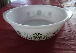 GLASBAKE 2 QT casserole J514 Milk White with avocado Green DAISY pattern - $6.92