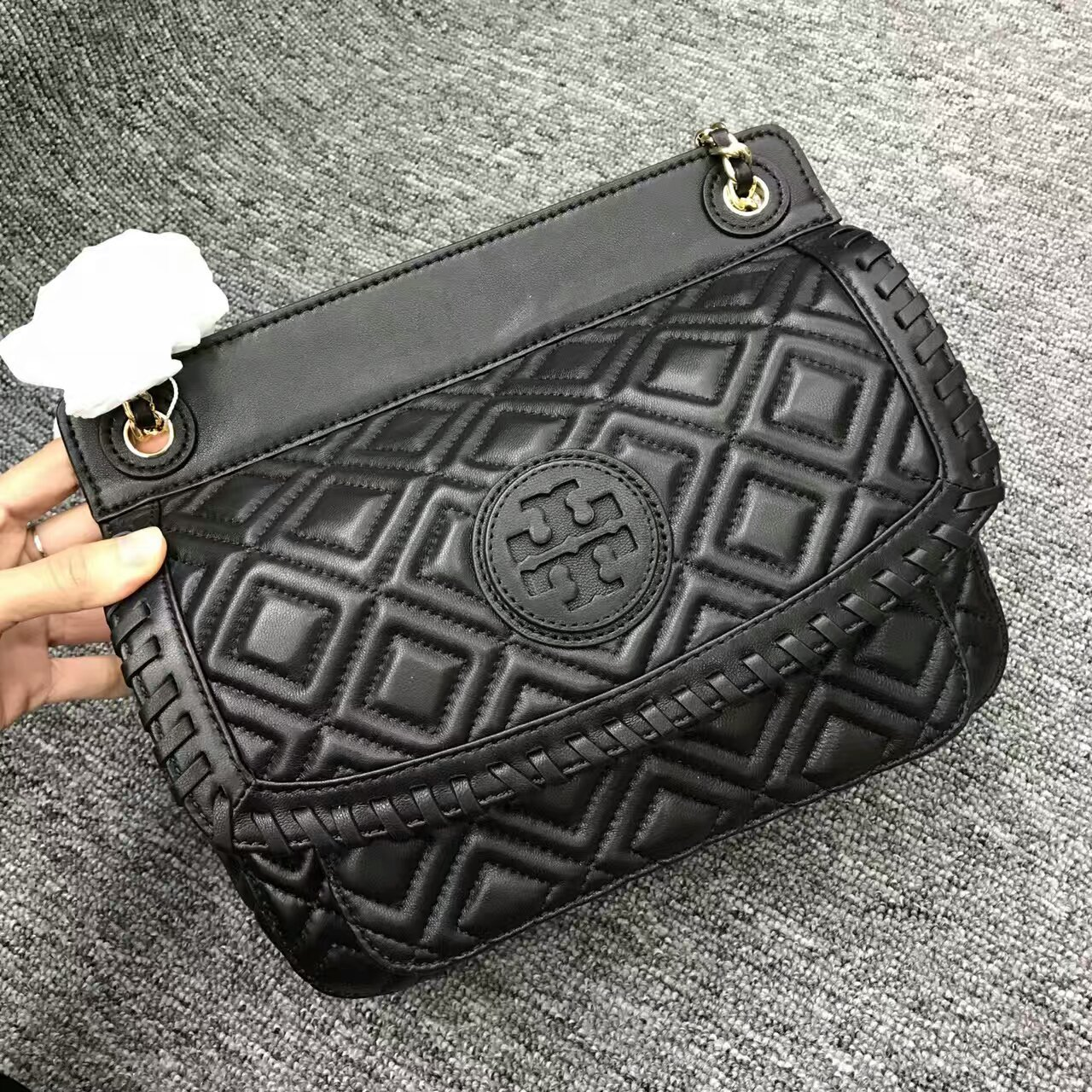 402962cd766b Mmexport1481877106190. Mmexport1481877106190. Previous. Authentic Tory  Burch Marion Quilted Small Shoulder Bag