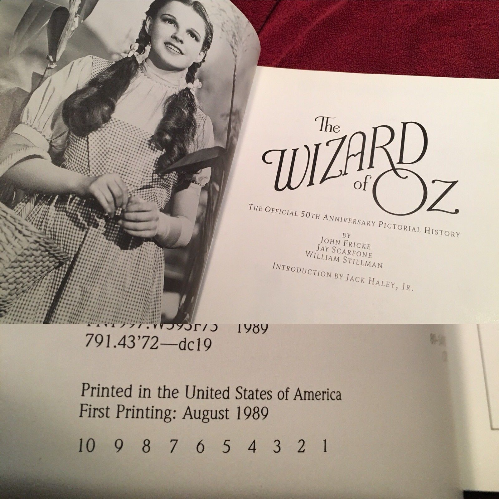 THE WIZARD OF OZ Official 50th Anniversary MUNCHKIN SIGNED Unique with Extras