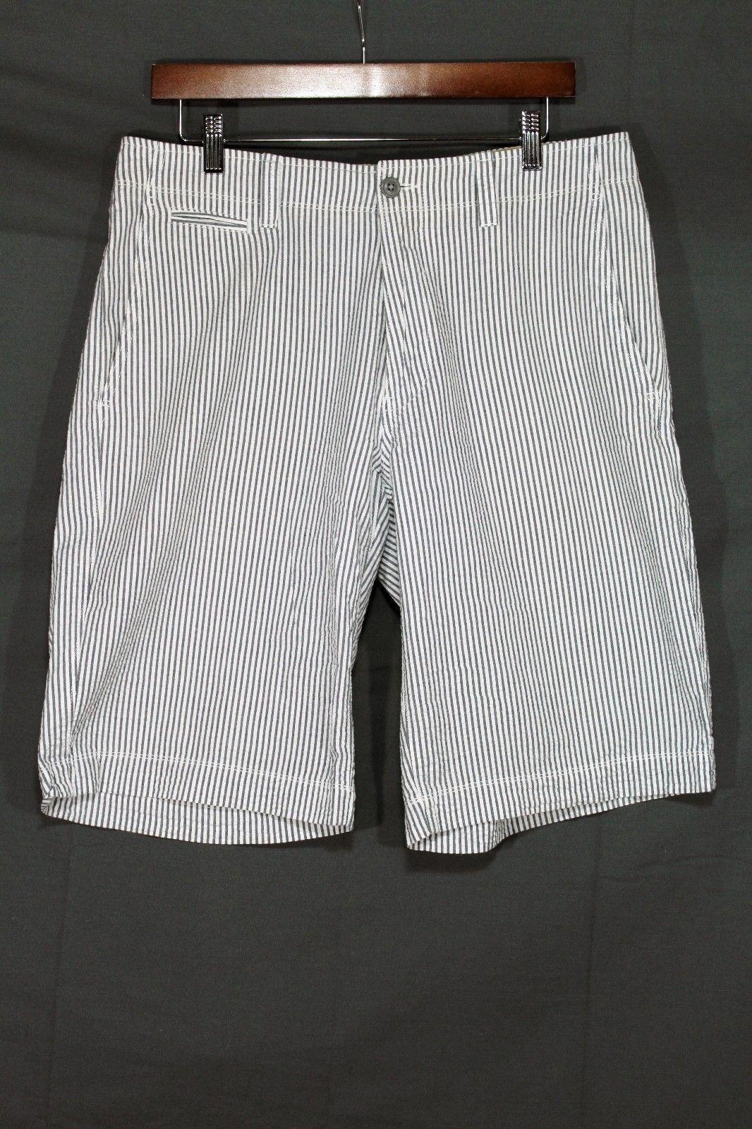 NEW Men's Gap Flat Front Seersucker Shorts White / Grey Stripe Short 33