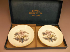 Royal Worcester Fine Bone China 2 Small Plates Flowers Boxed - $17.82