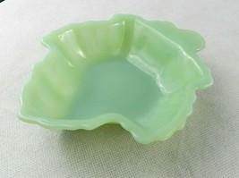 """Vintage Fire King Jadeite Leaf Shaped Serving Bowl 6 1/2"""" Green Candy N... - $20.78"""