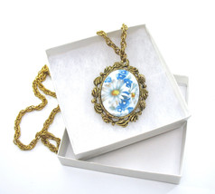 Floral Pendant Necklace, Reversible Mirror on Back, Painted Daisy, Blue ... - $19.00