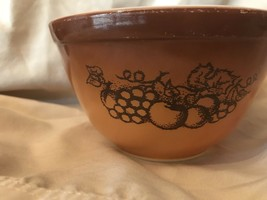Vintage Pyrex Old Orchard Nesting Mixing Bowl #401 Brown Gold  1.5 Pint - $9.46