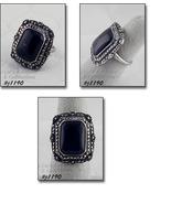 Vintage Sterling Ring Black Center Stone and Marcasites Size 7 (#J1190) - $48.00