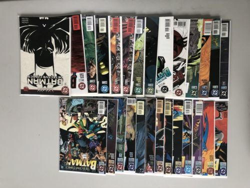 Run Lot of 27 Detective Comics (1937 1st Series) from #674-700 NM Near Mint