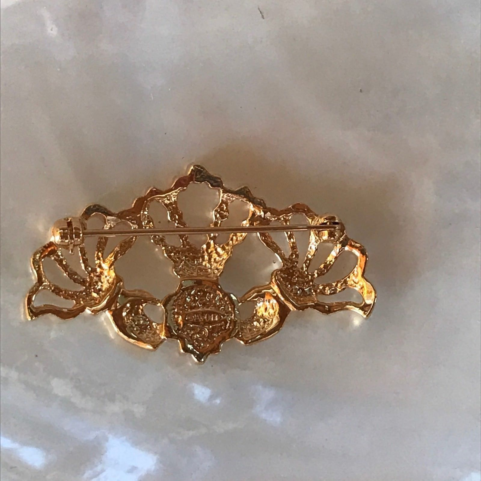 Estate Avon Signed Goldtone Hands Holding Faux Pearl Heart with Crown Pin Brooch