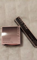 Mary Kay Translucent  Loose Powder BRAND NEW IN BOX & ULTIMATE BLACK MAS... - $31.00