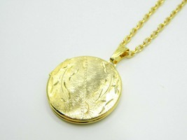Pcraft Celestial Sun Photo Locket Gold Tone Pendant Necklace Vintage 1960s - $19.79