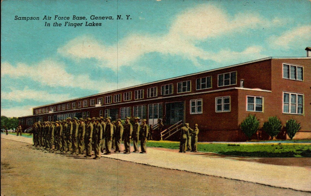 Primary image for LINEN POSTCARD-SAMPSON AIR FORCE BASE,GENEVA, NY-TRAINEES OUTSIDE MESS HALL BK22