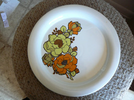 Hutschenreuther dinner plate () 8 available - $7.87