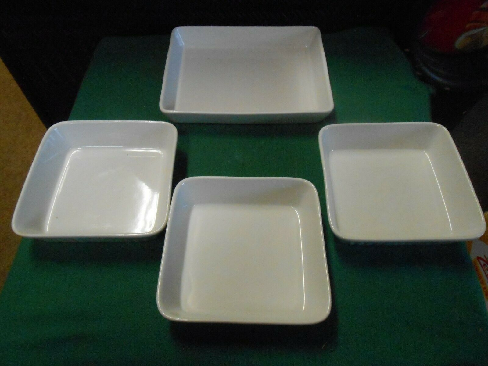 Primary image for Great Set of 4 OVENWARE DISHES...1 Large and 3 Smaller Serving Dishes