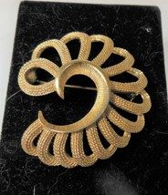 Vintage Monet Textured Gold Tone Pin Brooch - $12.86