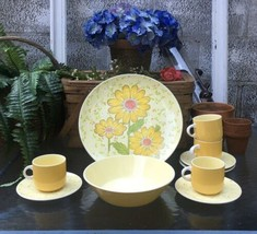 Vintage Mikasa MEADOW SONG 1970's Yellow Daisy 10 PC SET Cup & Saucers P... - $70.65