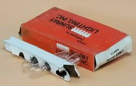 BOX OF 4 NEW SUNRAY LIGHTING 7C7/G-120V-I LAMPS