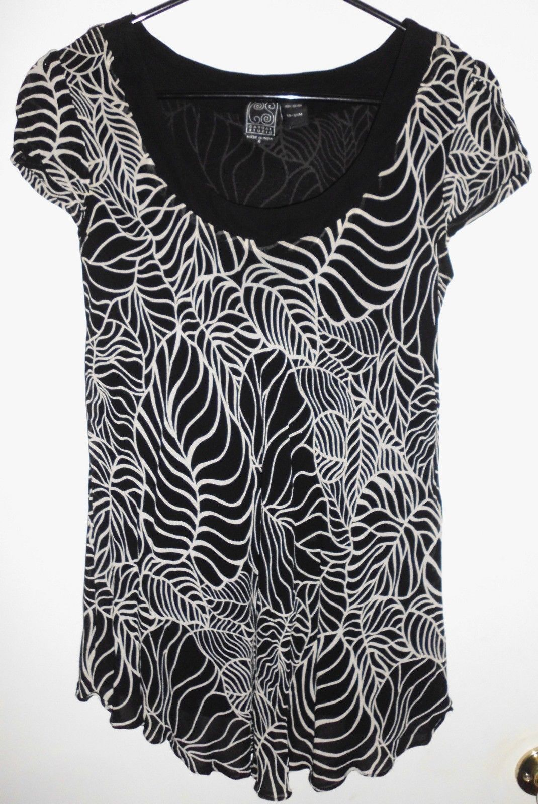Primary image for CASUAL STUDIO Shirt SMALL Black White Leaves Lined Short Sleeve Top INDIA Women