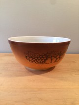Vintage 70s Pyrex 2 1/2 qt mixing bowl with Old Orchard pattern image 2