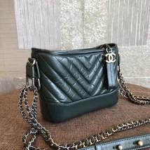 NEW AUTH Chanel 2019 DARK GREEN CHEVRON Calfskin Small Gabrielle Hobo Bag GHW image 3