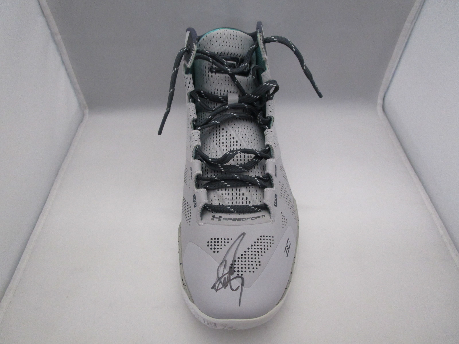 STEPHEN CURRY / AUTOGRAPHED UNDER ARMOUR PLAYER MODEL GREY SNEAKER / JSA COA