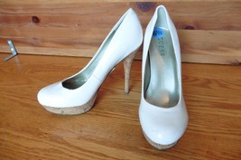 GUESS White cork high heels patent leather size 6.5 shoes - $19.31