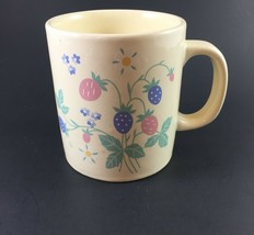 Auntie Em Collection Berries Coffee Cup Vintage 1986 Hallmark - $12.50