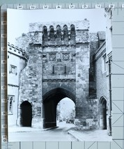 ORIGINAL PRESS PHOTO WINCHESTER 13th CENTURY ENGLAND WEST GATE BY DONALD... - $12.47