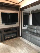 2019 Jayco North Point 5th Wheel FOR SALE IN Phoenix, AZ 85083 image 12