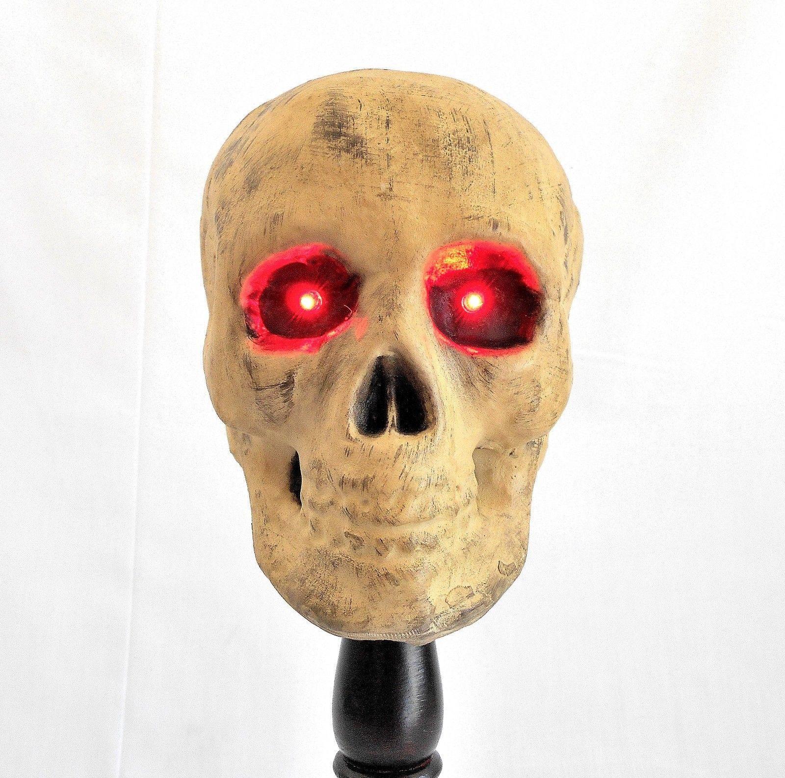 Human Skull w/Glowing Red Eyes on Wooden Pedestal - Halloween Lamp!