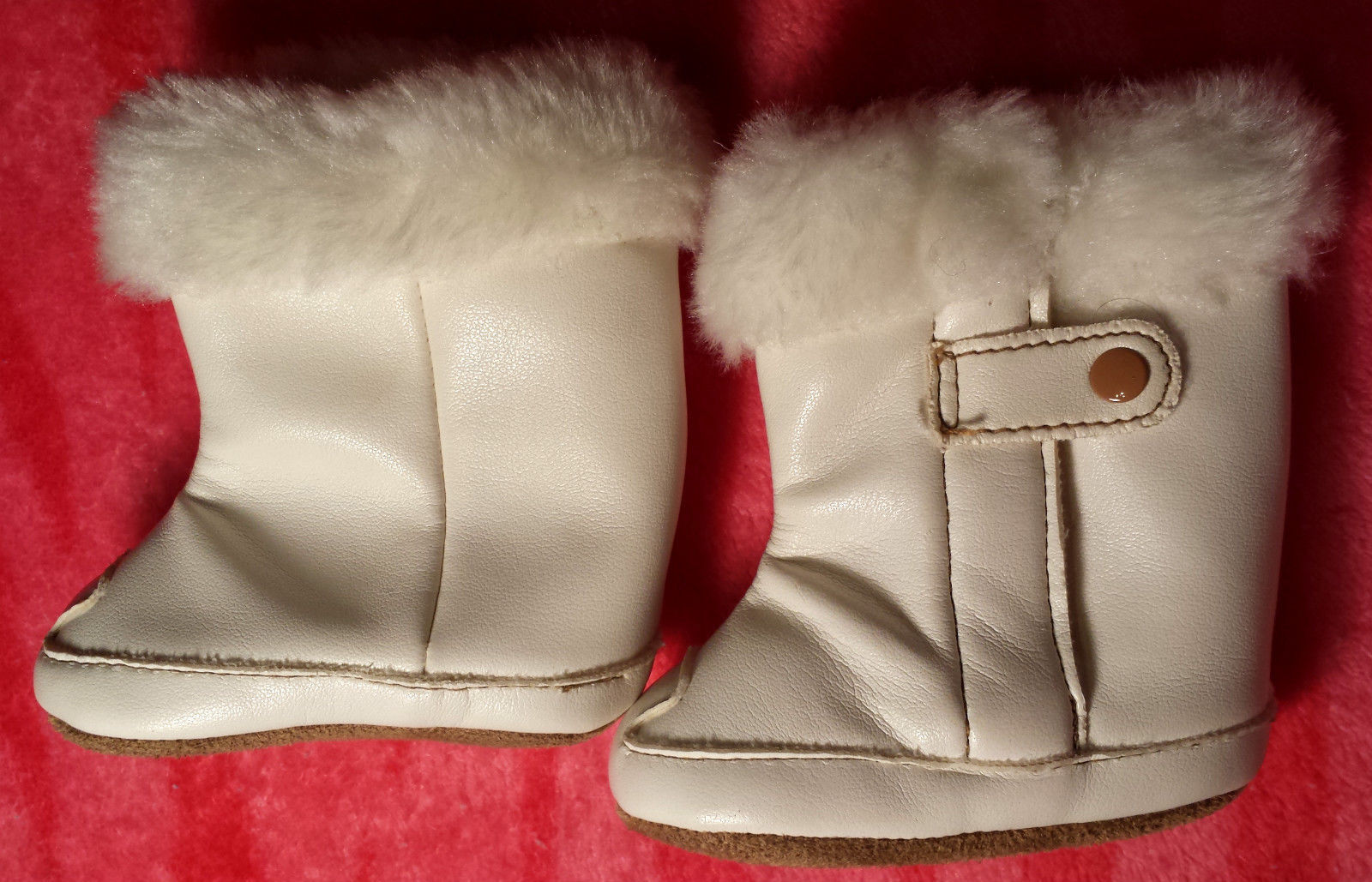 NWOT Girl's Size NB Newborn Off White Faux Leather/ Fur Velcro Infant Crib Boots