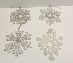❤❤ SET OF 3 CHRISTMAS TREE SNOWFLAKE ORNAMENTS W/ METAL ACCENTS & 1 SILV... - $15.00