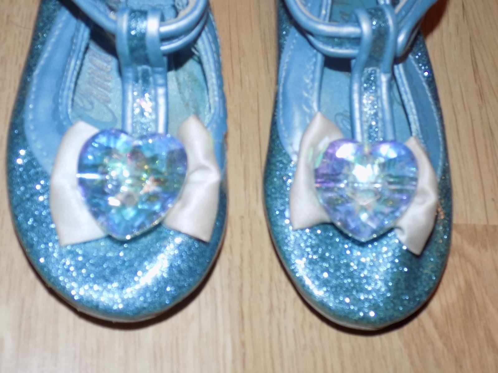 NWT Disney Store Cinderella Costume Shoes Sparkle Girls 7//8