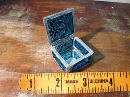Teal Embossed Glass Ring Box Mirrored Bottom Paisley Designed Glass Handmade image 5