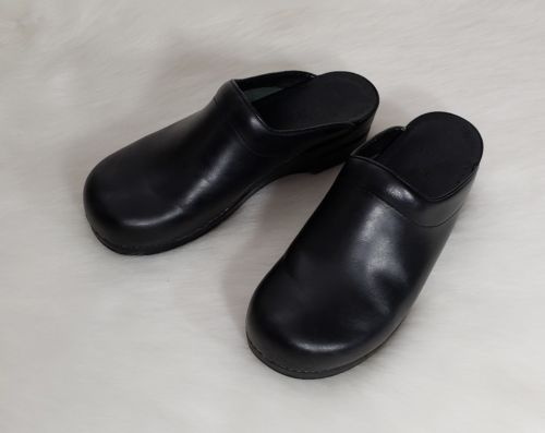e7a8a47e9c4 Dansko women black leather slide on clogs and similar items jpg 500x397  Dansko perforated clog slide