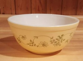 Pyrex 403 Shenandoah 2 1/2 Quart Mixing Nesting Bowl Yellow Green Flowers - $11.87