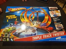 Hot Wheels Triple Track Twister Motorized Play Set Mattel 2013 SEALED - $85.00