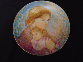 Vintage 1986 EDWIN KNOWLES EDNA HIBEL Mothers Day Plate Emily and Jennifer - $23.00