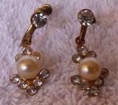 Vintage 1960s Dangle Faux Pearl & Rhinestone Goldtone Screw Back Earrings - $5.00