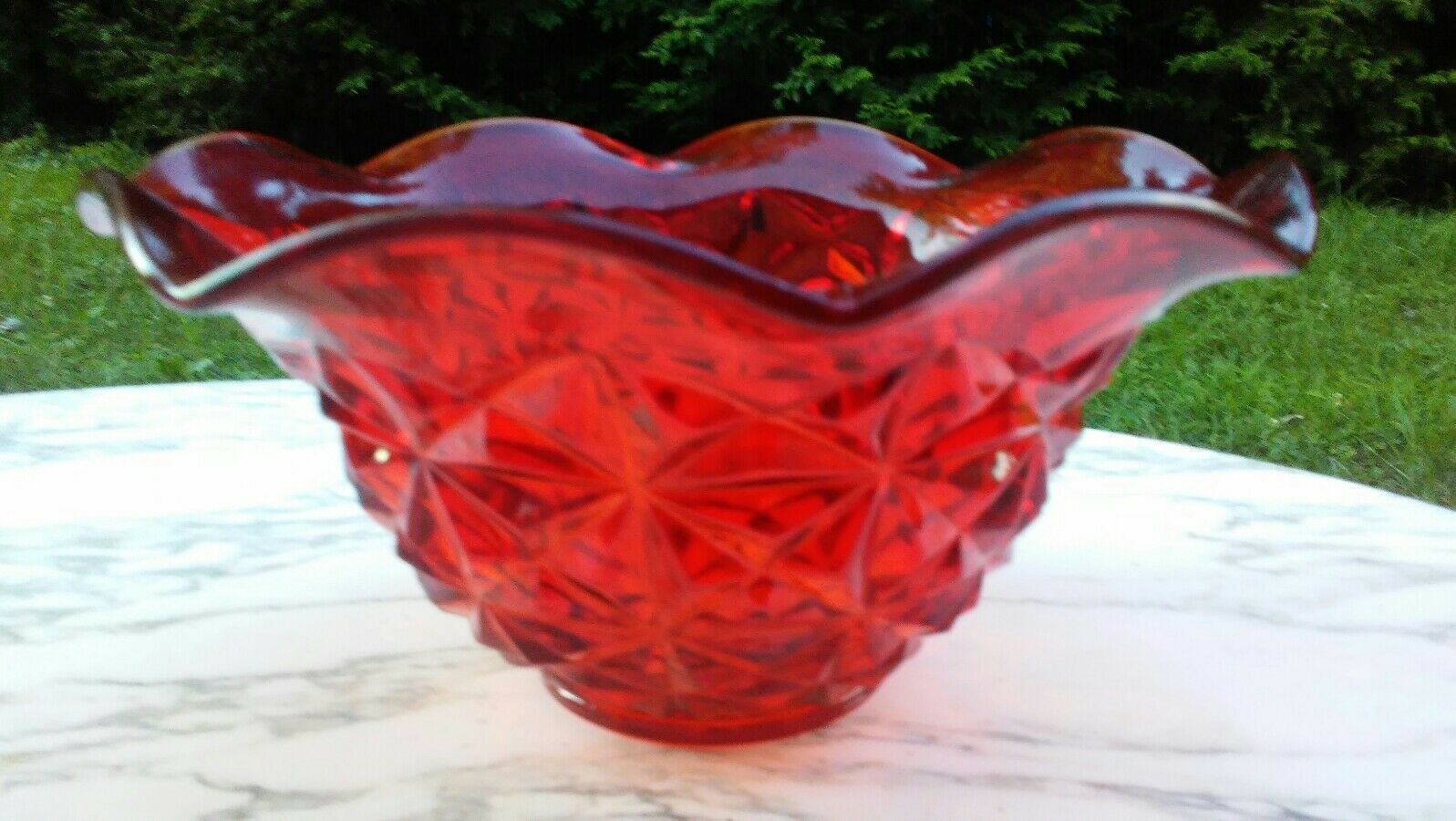 "Primary image for Older RED GLASS FACETED LARGE 10.5"" x 5"" Ruffle Edge BOWL L.E.Smith ? 1950s-60s?"